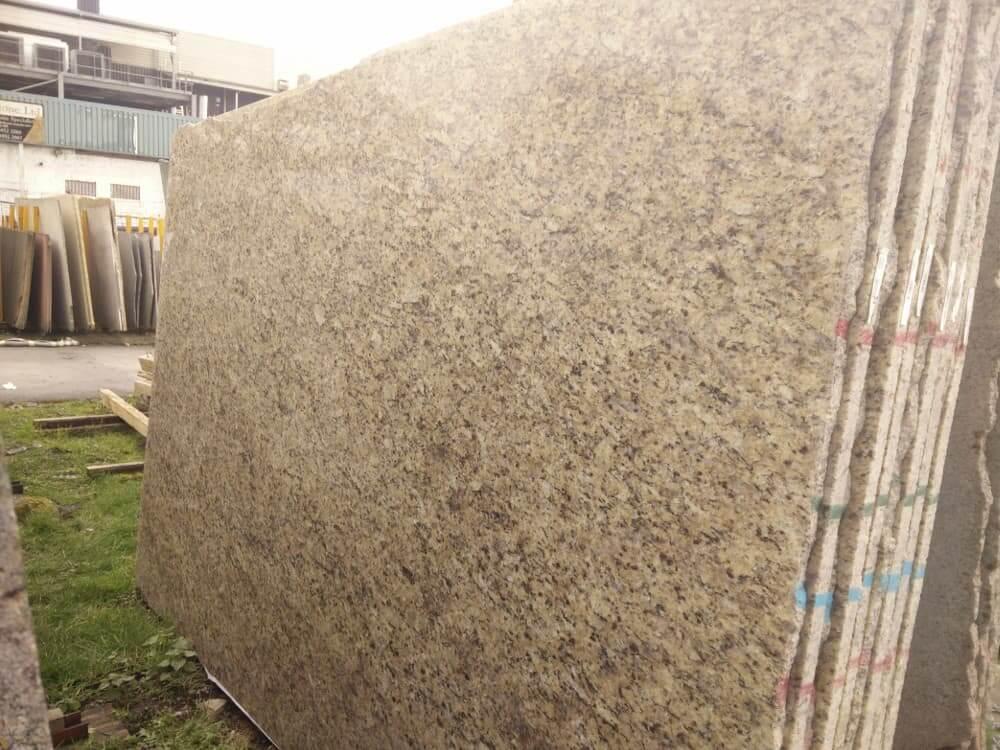 Oro Brasil Granite Slabs