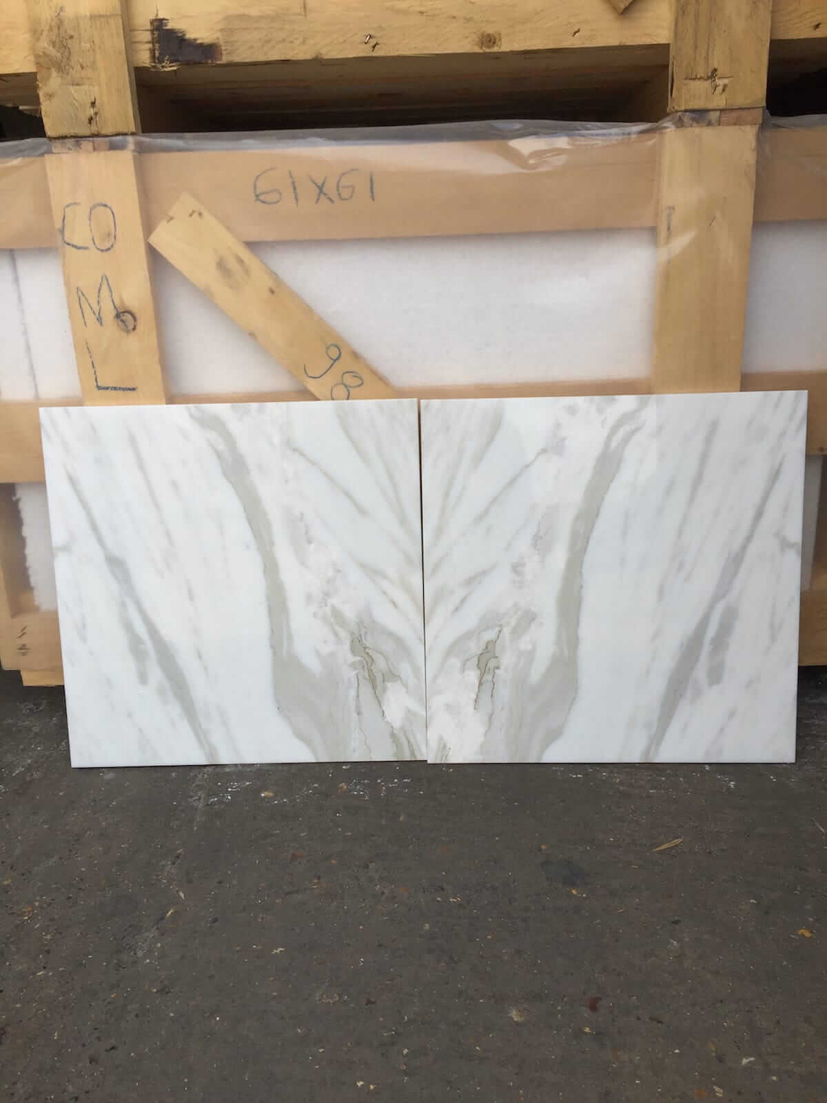 Calacatta Oro Marble Tiles 45.7x45.7