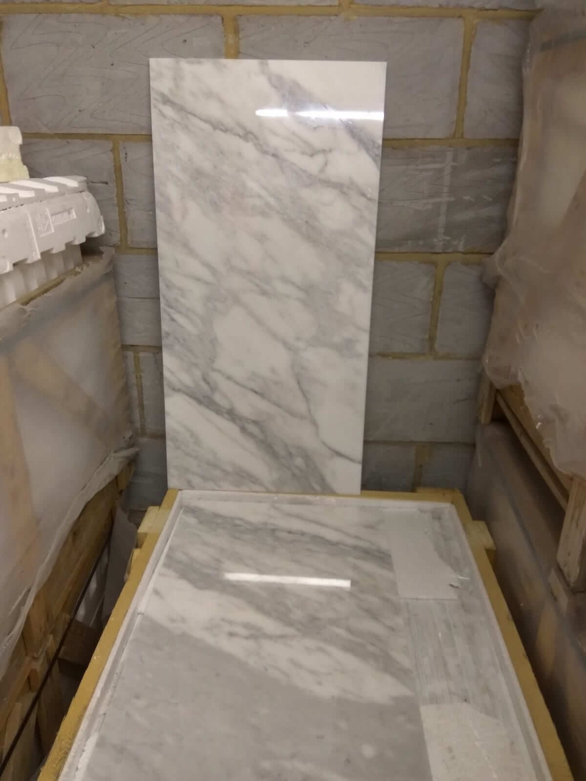 Calacatta Oro Marble Tiles 910x457 Imperial Marble