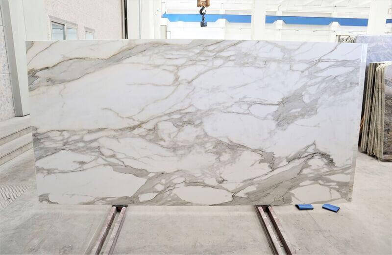 Porcelain Calacatta Slabs that we supply for Interior use