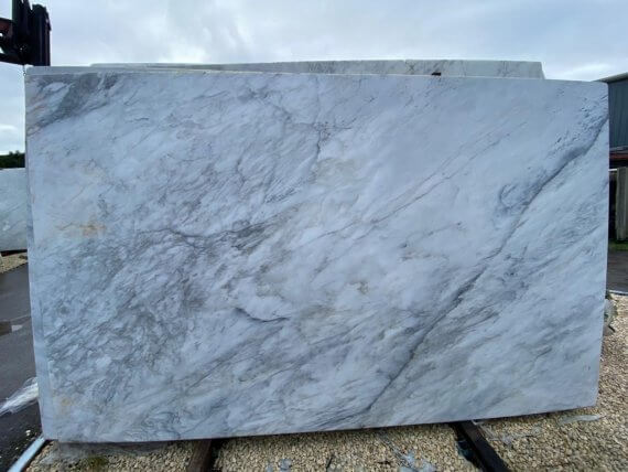 Calacatta Apuano Marble Slabs to buy